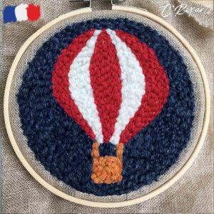motif punch needle montgolfière