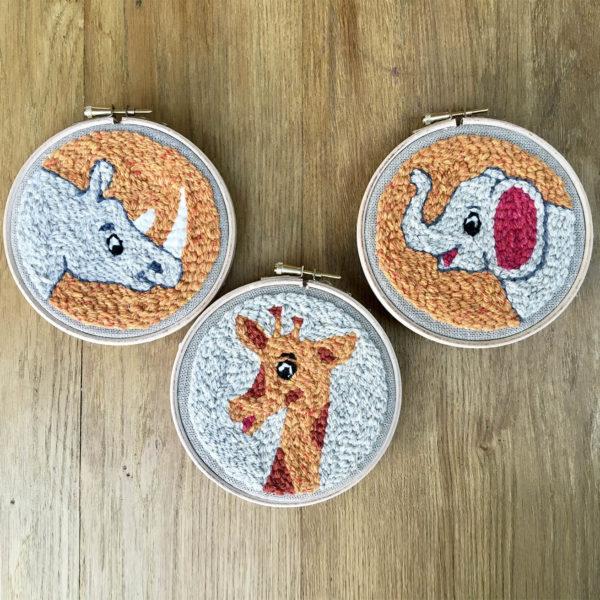 kit punch needle pour enfant gamme savane rhinoceros elephant girafe 1bc571ac 1ebc 4583 a949 b3e0ed949ae0