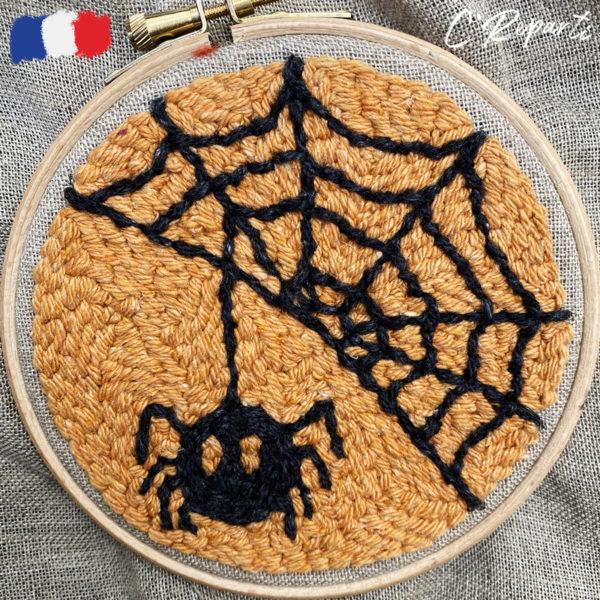 kit punch needle halloween toile araignee