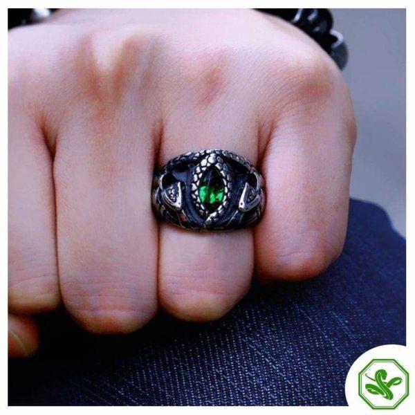 green-eye-snake-ring