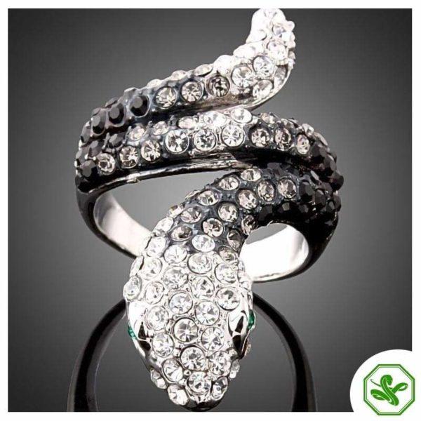 black-and-white-diamond-snake-ring 3