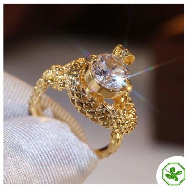 gold-and-diamond-snake-ring