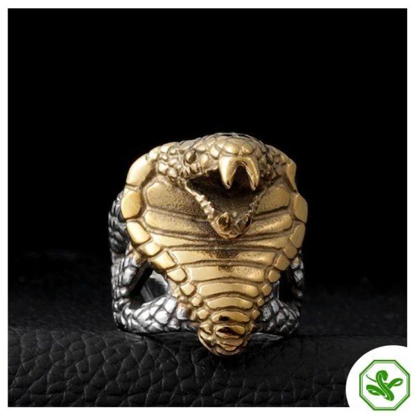 mens-gold-snake-ring 3