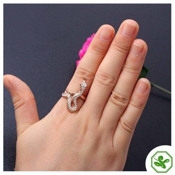 rose-gold-serpent-ring 4