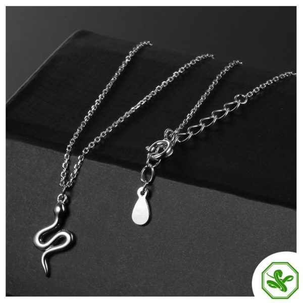 silver-snake-pendant-for-woman