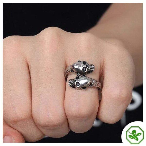 skull-and-snake-ring 6