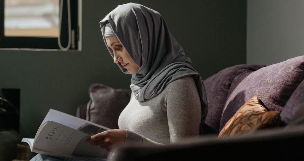 Snake Dream in Woman Islam