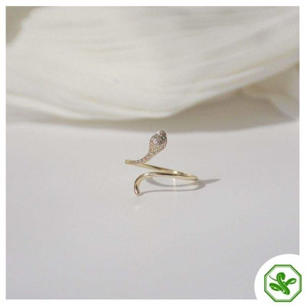 white-and-gold-snake-ring 4