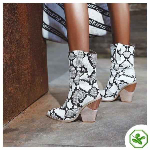 Women's Snakeskin Cowboy Boots 17