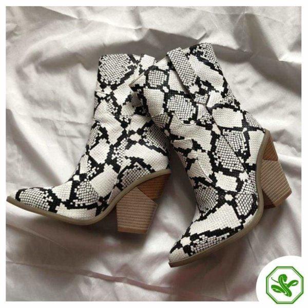 Women's Snakeskin Cowboy Boots 6