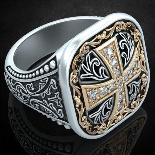 Chevalière croix de templier en diamant or et argent