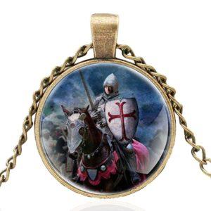 Collier et pendentif du trésor des templiers