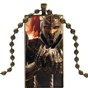 Pendentif carré chevalier en armure du moyen age avec chaine
