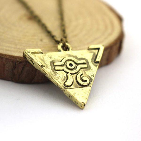 2016 Hot jeu The Legend Of Zelda Antique or Triforce Triangle pendentif collier.jpg 640x640 9c78ef61 9243 4baf b45d 069ca6d8085f Collier Yu-Gi-Oh! Puzzle Du Millénium - Livraison Gratuite !