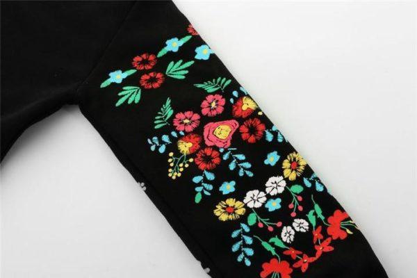 5 b08e9443 b9f6 47a6 b787 3289323c828b Robe-Pull Flowers