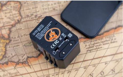 Adaptateur De Voyage Universel Charge Rapide Avec Ports USB Type C Raton Malin
