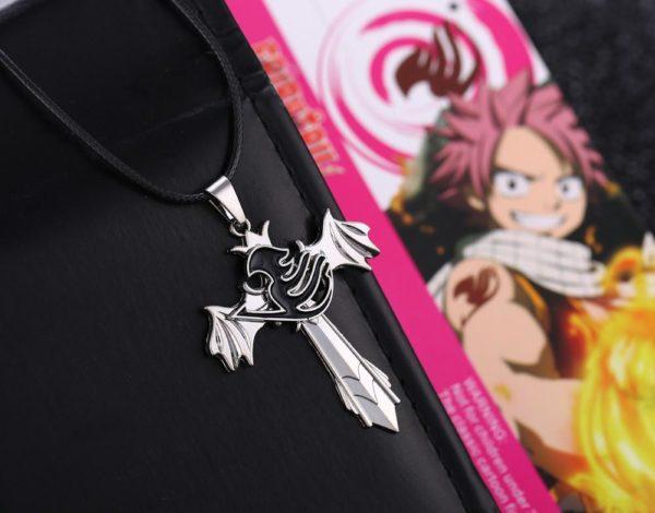 Fairy Tail Personnalit eacute 508ab77f 0bc2 46cd a328 fac345020dc9 Collier Fairy Tail Croix Et Aile Avec Logo Rotatif - Livraison Gratuite !