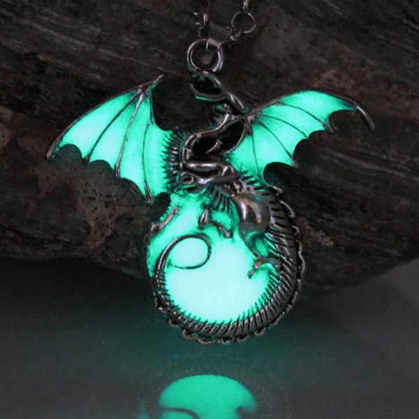 Game of Throne dragon Punk Luminous Dragon Pendants Necklaces GLOW in the DARK dragon amulet Sweater Collier Dragon Targaryen Lumineux Game Of Thrones (5 Couleurs) - Livraison Gratuite !