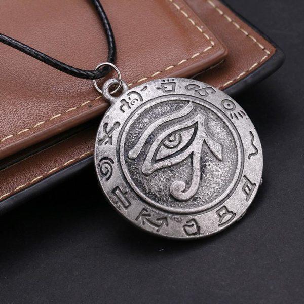 Japonais et sud Cor eacute 929b7962 a458 471f a196 dfb255deadd0 Collier Yu-Gi-Oh! Talisman Oeil De Horus - Livraison Gratuite !