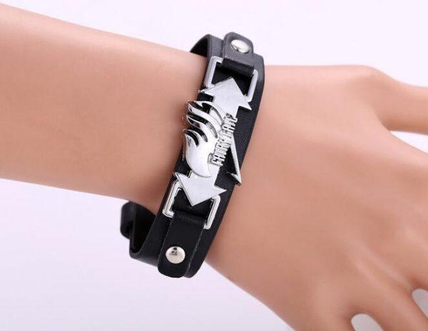 Mosu livraison gratuite Cosplay Fairy Tail noir bracelets mode anime Punk bracelets mode Bracelet Punk Fairy Tail - Livraison Gratuite !