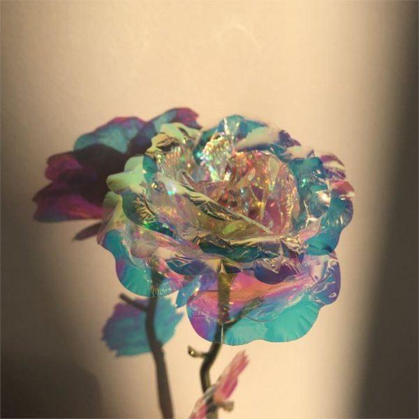 R6 50a1df1f ade3 4474 8ad8 a815c38ebac9 Rose Rayonnante En Cristal Et Or Rose
