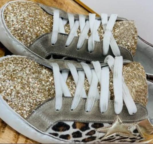Screenshot 1 9704f238 72e4 4bc1 85bb ba8a4c5ff043 Chaussures Vintage À Paillettes
