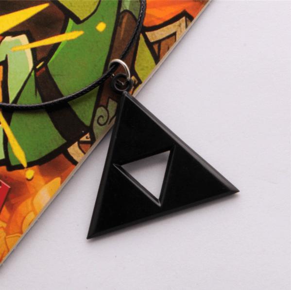 Screenshot 2 b35ab236 6fdf 4288 847f 12e939724b7b Collier Triforce The Legend Of Zelda (3 Couleurs Disponibles) - Livraison Gratuite !