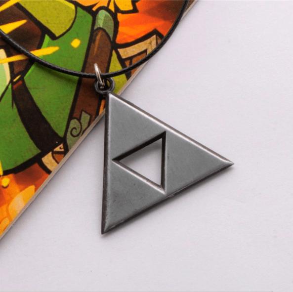 Screenshot 4 09cfe0dd 692d 49e3 861a 3c32051fb9d2 Collier Triforce The Legend Of Zelda (3 Couleurs Disponibles) - Livraison Gratuite !