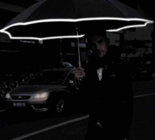 Screenshot 6 ffbd676b 3778 4e6f 8079 f27d71c5ee2b Parapluie Inversé Avec Bande Réfléchissante - Brelaplus™