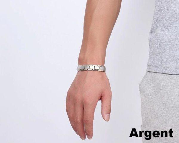 bracelet gris porte c1070f1b 1b69 4a38 b6bb 1cd403831502 Bracelet Energique Thérapeutique