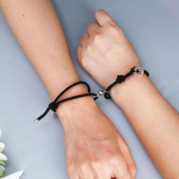 bracelets de couple magnetiques 2 pieces Bracelets De Couple Magnétiques - 2 Pièces