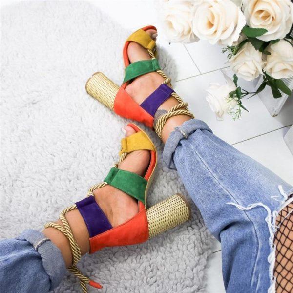 chaussurelacetfemme Les Sandales Cuir À Lacets Pour Femme Au Look Casual Chic