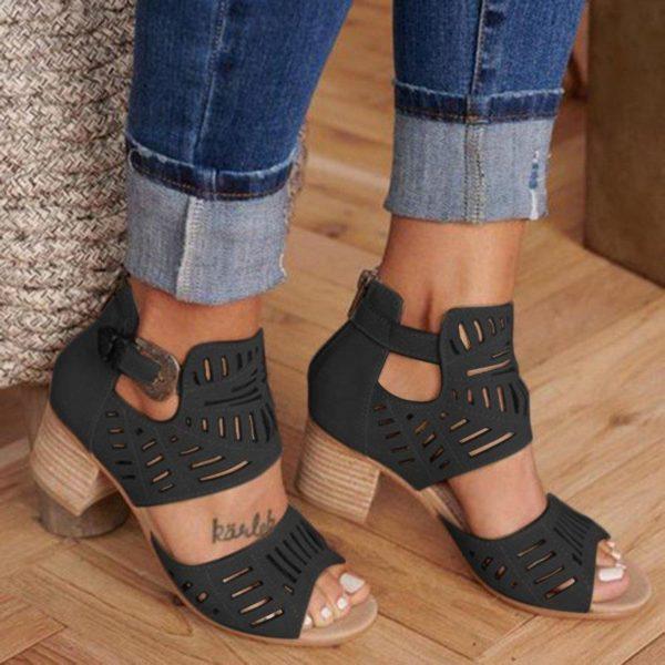 chaussuresetecuirfemme 2ccf5a34 fdca 4de8 b929 f1d8a14bd6d2 Les Bottines Été En Cuir Avec Talon Pour Un Look Féminin