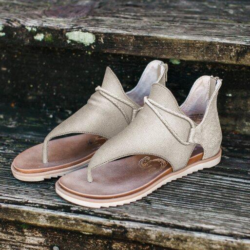 chaussurespiedssensibles 52fb40a4 c72e 49ba 905f 25947b14a394 Les Sandales Confortables À Lacets Pour Femme