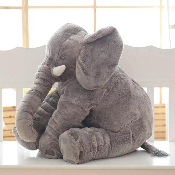 elephantpeluchegeant 895f8d40 ea3b 427b ad56 319b37f2ad3e La Peluche Doudou Éléphant Géante Pour La Chambre De Votre Enfant