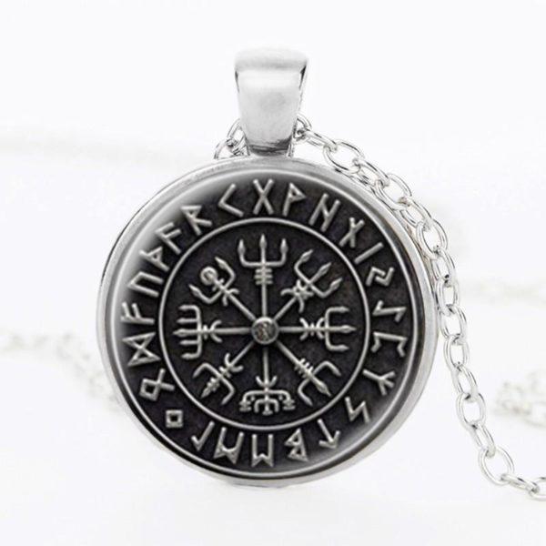 p1 7fddb09f b2f3 487e ab8c 702e28b51564 Collier Pendentif Avec Croix En Rune