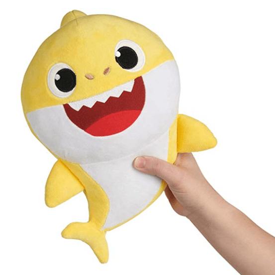 peluche enfant 2048x ddb2db66 c1d5 45ea 8aac 45836a0bd482 Jouet En Peluche Amusant Bébé Requin Qui Chante