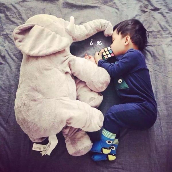 pelucheelephantbebe La Peluche Doudou Éléphant Géante Pour La Chambre De Votre Enfant