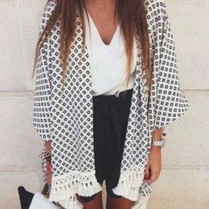 Kimono Bohème à franges Minute Mode Blanc et noir M