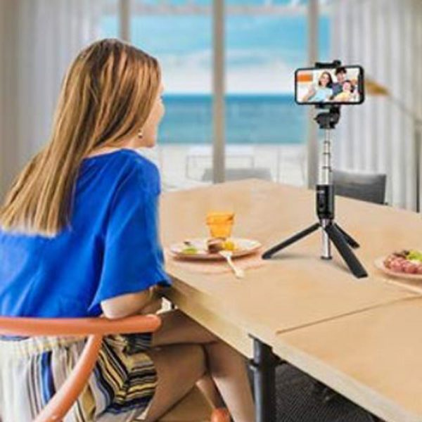 s4 204343c2 f6d9 4a33 a925 7e495be23e15 Perche À Selfie 4-En-1 Avec Télécommande Bluetooth