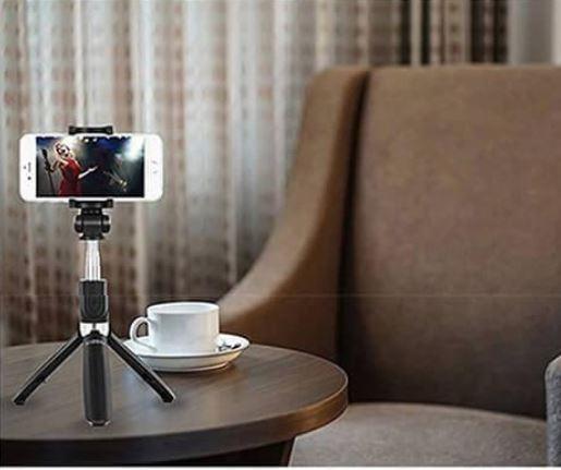 s5 889e4e5a c716 43e5 b7ea 10f370798280 Perche À Selfie 4-En-1 Avec Télécommande Bluetooth