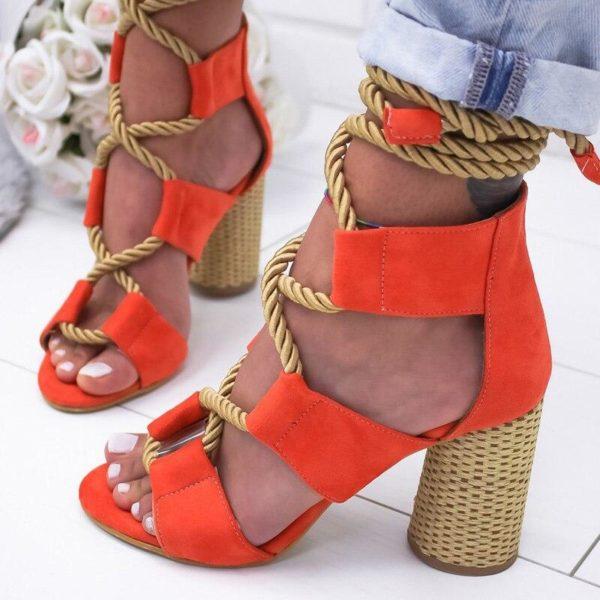 sandalealacet c1e52b7b a3b7 448d 9020 25cf92cb4b73 Les Sandales Cuir À Lacets Pour Femme Au Look Casual Chic