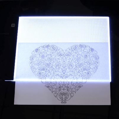 tablette lumineuse 2048x da2b089f 3452 4838 9d18 7bd35617942e Tablette De Traçage Parfaite Et Pratique Led