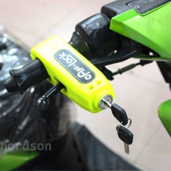 Bloc Guidon Pour Moto : Solution Parfaite Pour le Stationnement Court