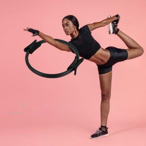CercleDeYogaPilates 1 Cercle De Yoga Pilates: L'anneau Vous Offre La Possibilité De Travailler L'ensemble De Votre Corps