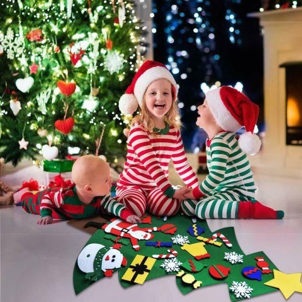 ChristmasTree11 1 Arbre de Noël pour Enfants : Ornements Colorés Détachables et Feutre Matériel