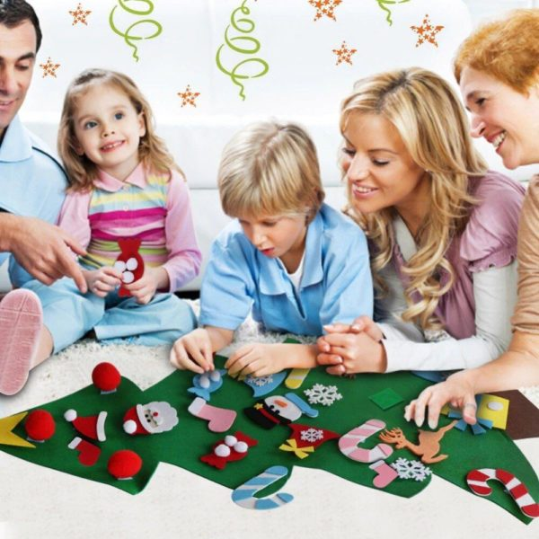 ChristmasTree5 1 Arbre de Noël pour Enfants : Ornements Colorés Détachables et Feutre Matériel