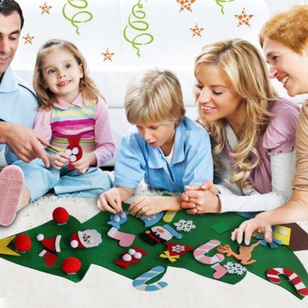 ChristmasTree5 Arbre de Noël pour Enfants : Ornements Colorés Détachables et Feutre Matériel