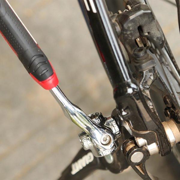 Cl tigre 8 en 1 outils douille fonctionne avec des boulons cannel s Torx 360 degr 534d0689 b156 4368 8642 e9f42124e375 Clé À Boulon Polyvalente : Rend Toute Réparation Rapide et Facile