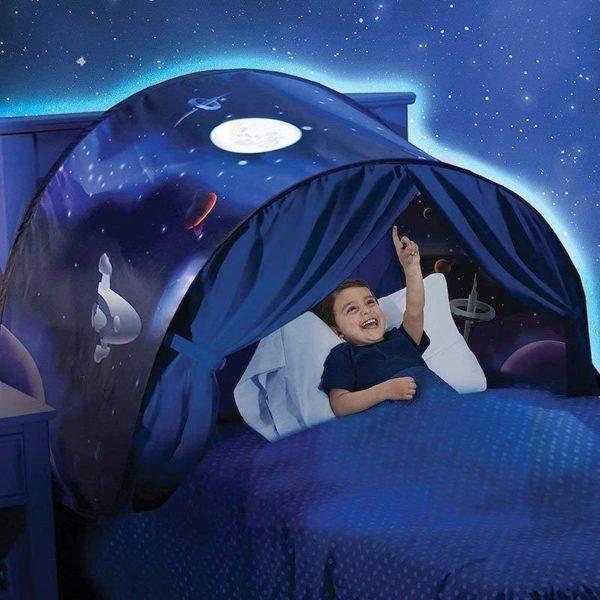 Space Adventure 1024x1024 ca9649af 8ab0 4a20 bb39 111cf6da6b30 MyTente : Transforme le Lit de Votre Enfant en un Monde Féerique